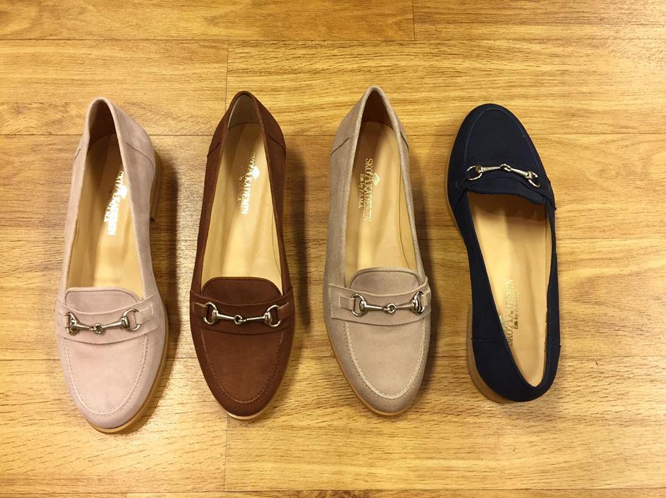 Rosa, brun, beige eller marin?! #skoakademin #skoakademinbypama #commerceskövde #skövde #suedeloafers